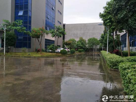 龙岗 宝龙工业区 带红本厂房1000平方出租