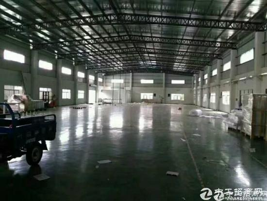 横岗永湖地铁站旁边7米高钢构厂房1380平招租
