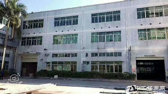龙东二楼带装修厂房出租,1050平米水电齐全原房东厂房