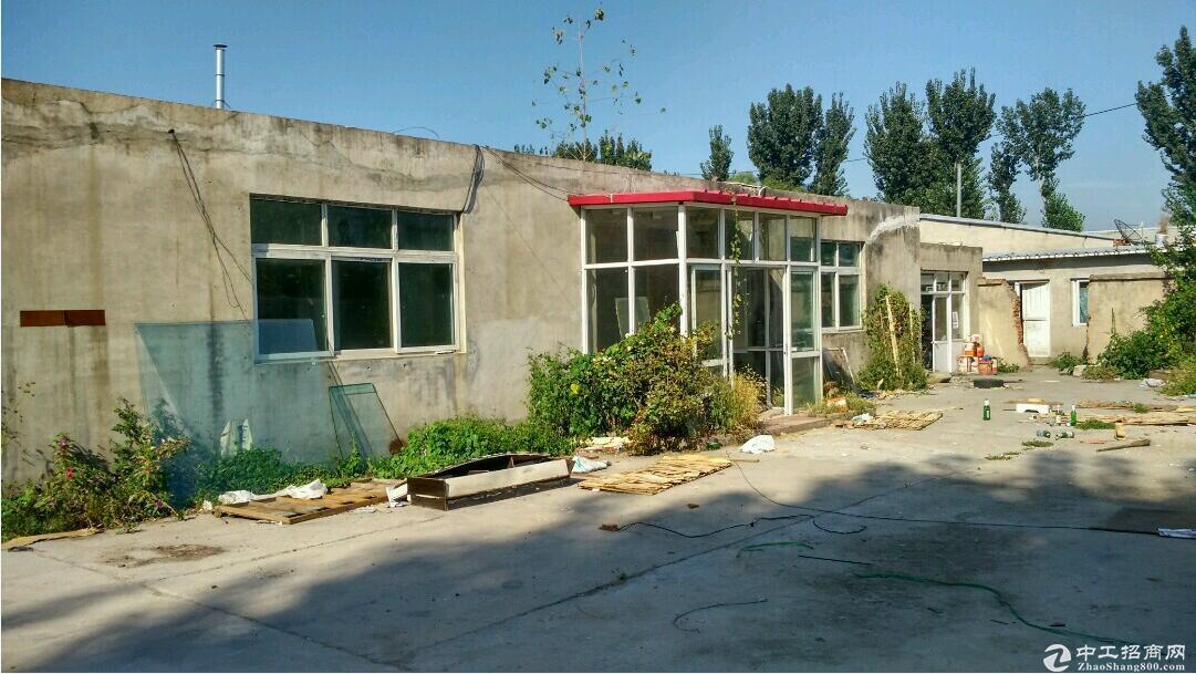 张镇白马路附近10000平独门独院库房出租