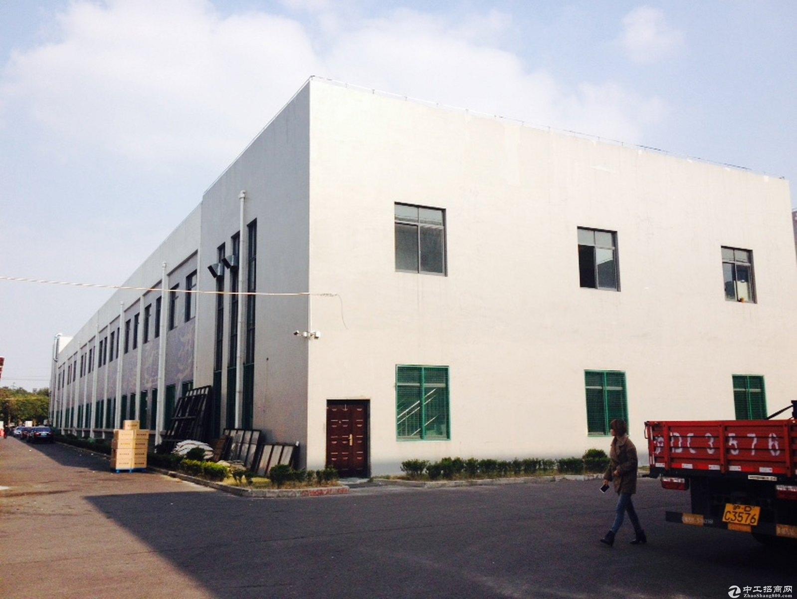 金山化工区独院10亩12米绿证50年小面积化工厂房出售可做化工-图2