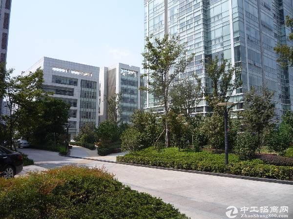 嘉定南翔945平总部生产电梯办公装修绿证50年出售