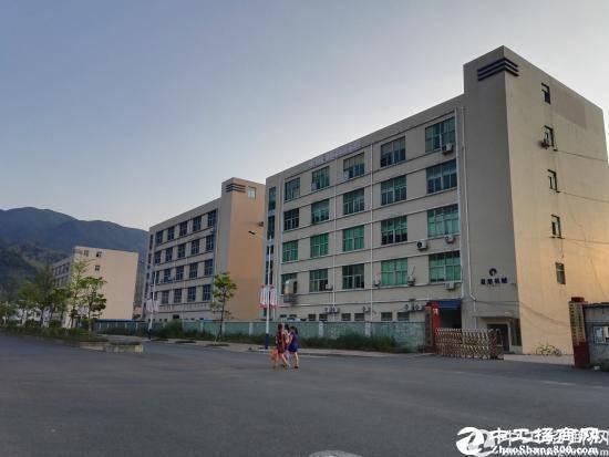 坪山 石井3楼整层900平米村委厂房租16
