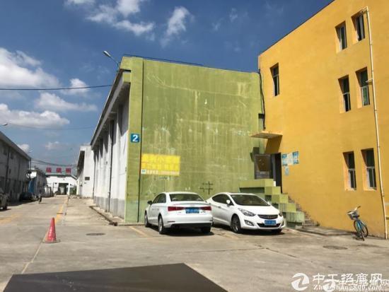 坪山区大工业区全新出租2800平厂房带卸货平台低