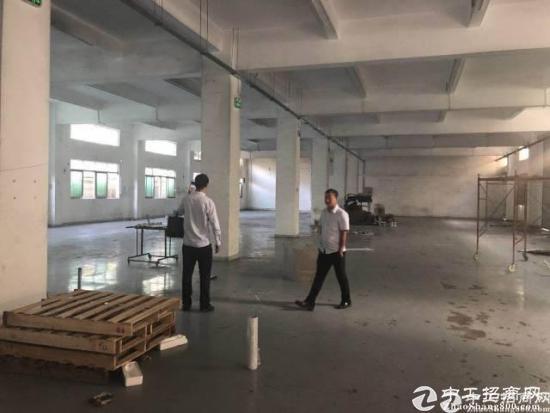 横岗永湖地铁站横坪公路上一楼1300平米