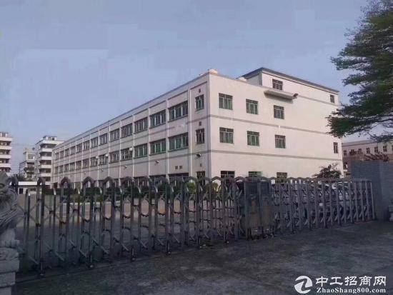 坪山 大工业区 带红本厂房一楼 3000平 空地超大