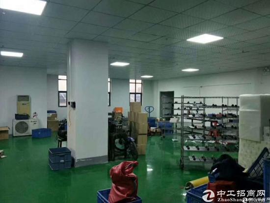 现成豪华装修厂房总面积1000平,为电子,五金类产品专业打造厂房