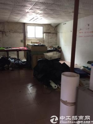 厚街公交站附近独院单一层仓库厂房1500方低价招租