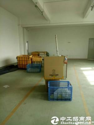 厚街镇新出独院厂房楼上整层2300方,主线到位,三吨货梯两部