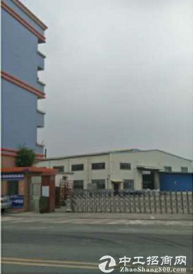 厚街南五超大空地仓库厂房出租单一层面积3000方,门口是双向六车道
