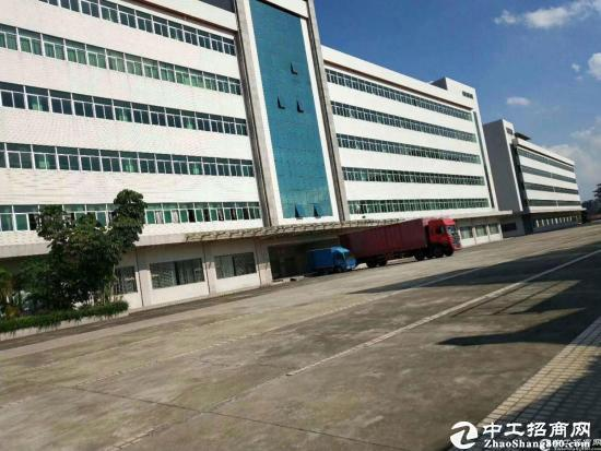 西丽茶光地铁口新出一楼2300平米仓库出租