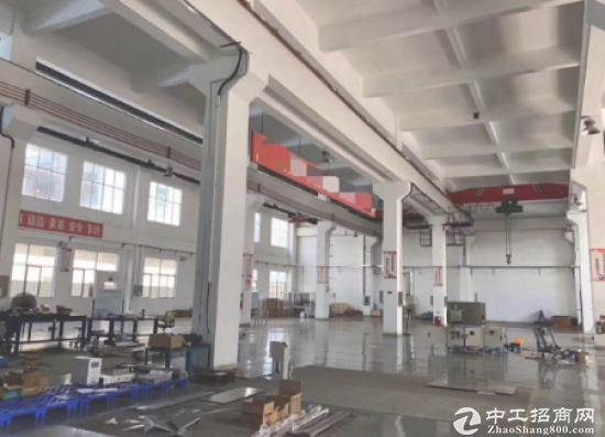 坪山刚出标准一楼厂房2300平米现成航车厂房出租