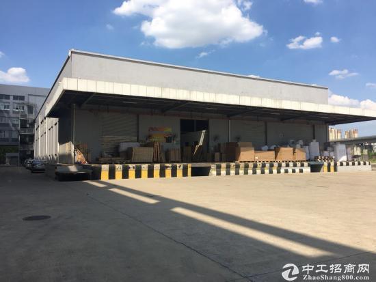 坪山新出带卸货平台仓一楼2000平