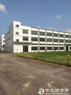 出售深圳龙华独门独院红本厂房。适合投资自用升级