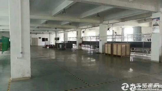 厚街镇大型工业园空出三楼整层1240平方,车间采光好,带地坪漆