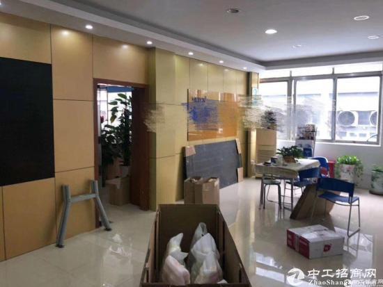 西丽镇地铁口新出700平精装修厂房出租