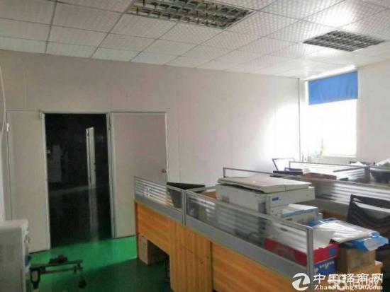 新出輔城坳工业区带装修原房东楼上1500平