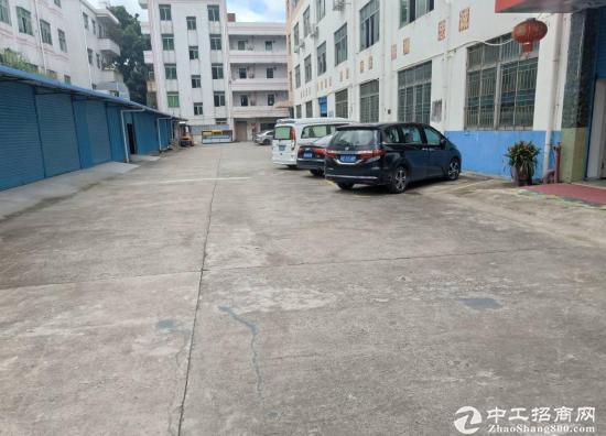 平湖华南城附近 一楼1000平方可分租