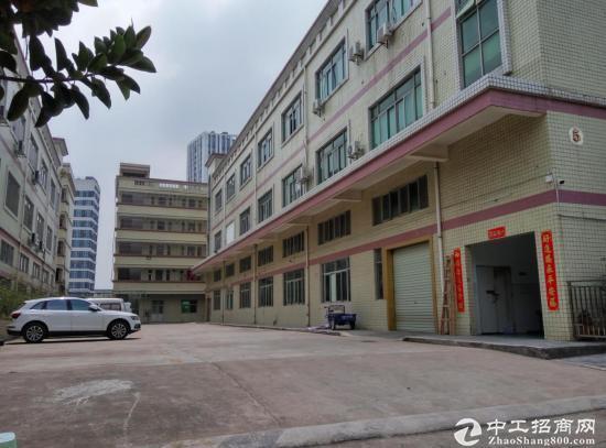四联工业区三楼1200平方 带办公室