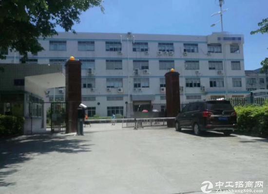 宝龙高新区一楼1800平 带牛角 航车