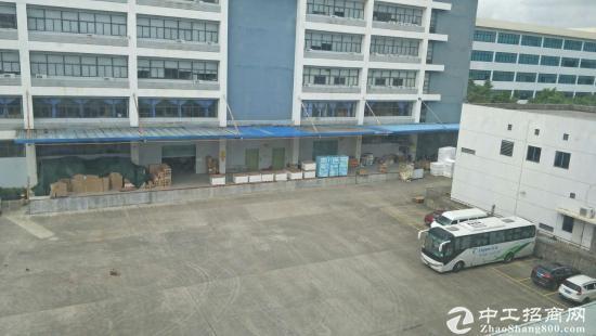 石岩洲石路物流仓库1-4层13800平方厂房招租