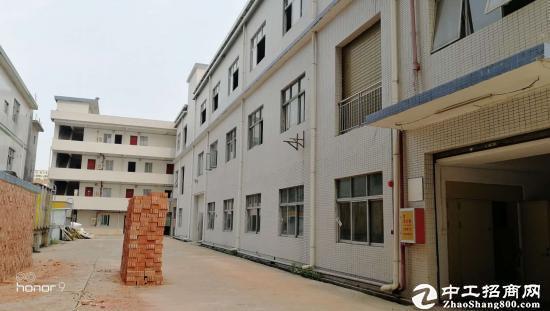 龙岗 9成新独院厂房三层7500平米出租(可分租)