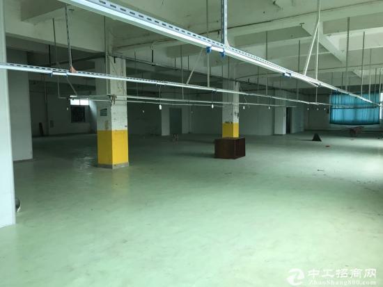 横岗 六约地铁站三楼565平方豪华装修厂房出租