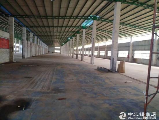 坪山六联 独门独院钢结构厂房6000平米 大小分钟