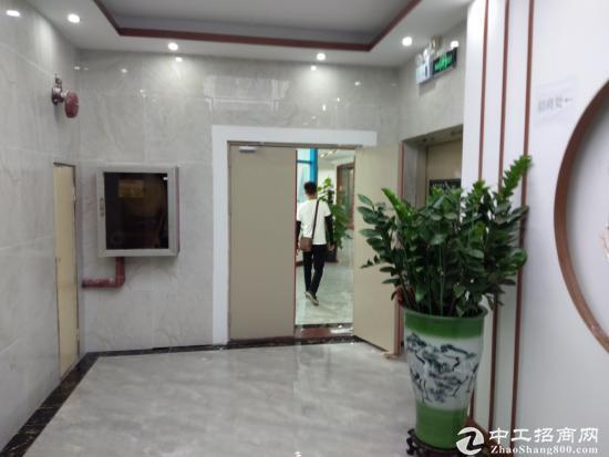 地铁口精装修办公室60平米起租