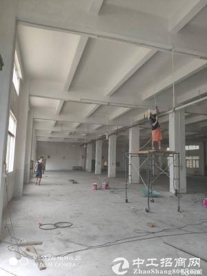 龙岗龙城广场地铁附近2600平米一楼厂房出租