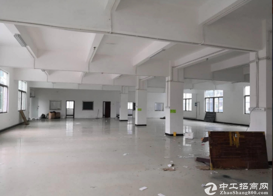 平湖华南城附近一二楼带装修200、500平厂房出租