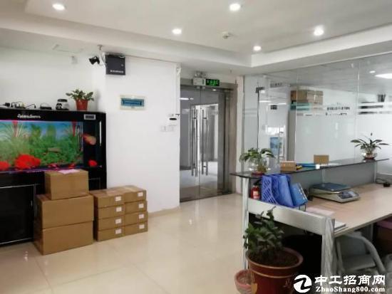 坪地中心村独院钢构1400平米厂房出租