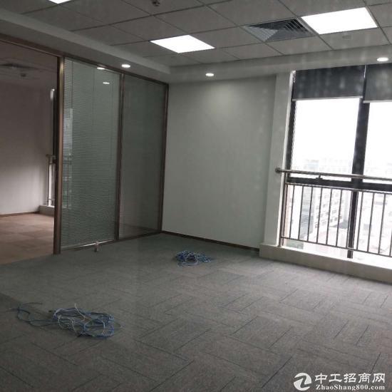 公明中心小面积带装修办公室对外出租
