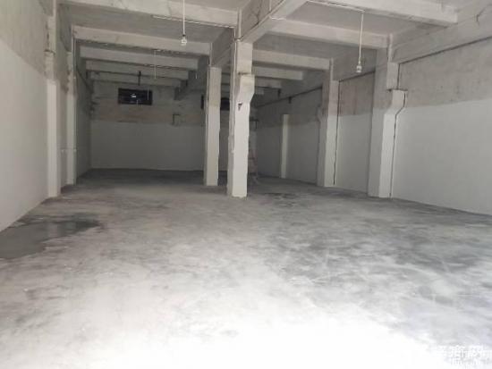 石岩汽车站附近新出一楼带牛角350平米厂房出租