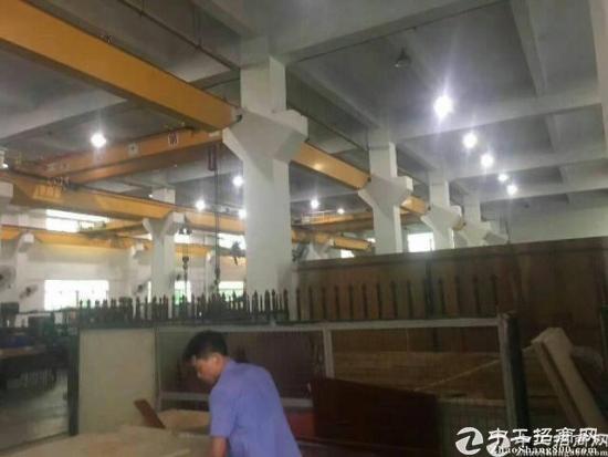 (出租)平湖新木一楼6米高带牛角2000平方厂房出租