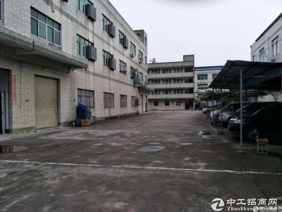 上李朗独院厂房1-3层6500平出租