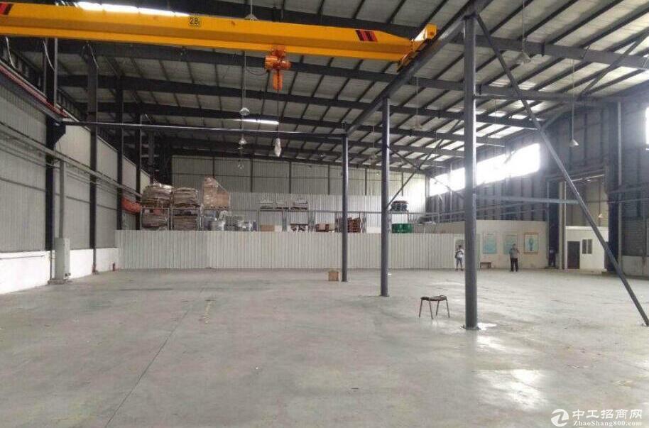 新津工业园6000平米钢构厂房出租有5T行车有环评手续,园区配套齐全可进大车可 喷油漆 可分租