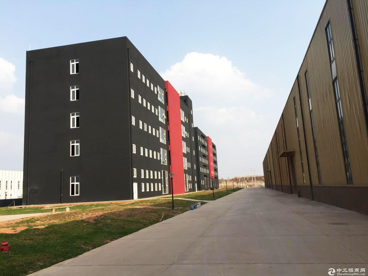 出租成都简阳石盘镇钢结构厂房4000平 层高6米