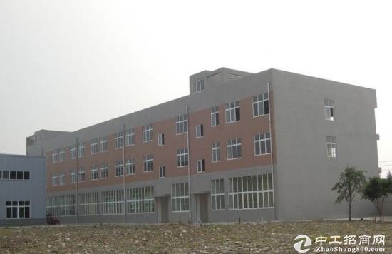 成都彭州牡丹大道黄金路段三层厂房出租