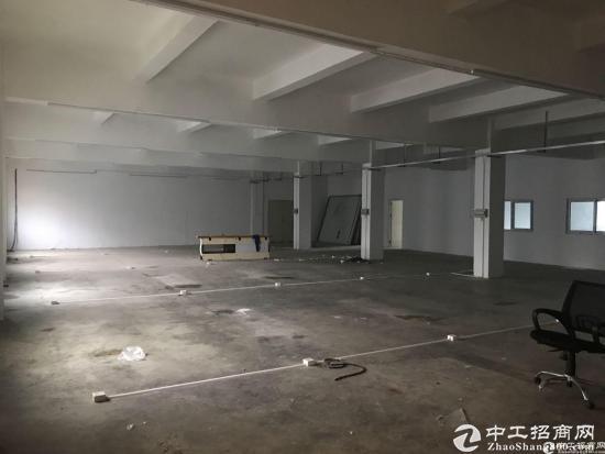 横岗地铁站附近189工业区楼上带装修19块出租!-图2