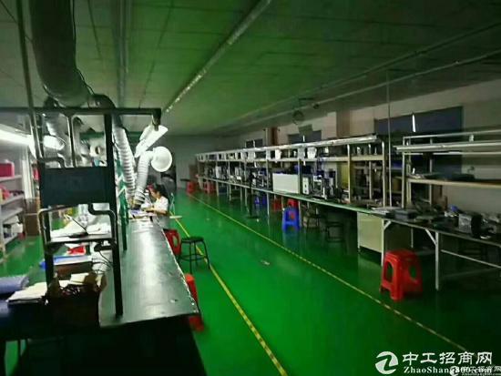 清溪镇三中靠近凤岗塘厦本地房东标准二楼厂房2180平米带 现成精装修