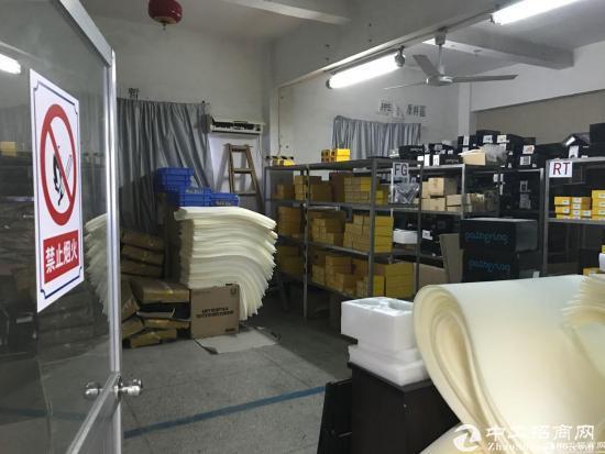 横岗 六约地铁站三楼210平厂房出租,带精装修-图3