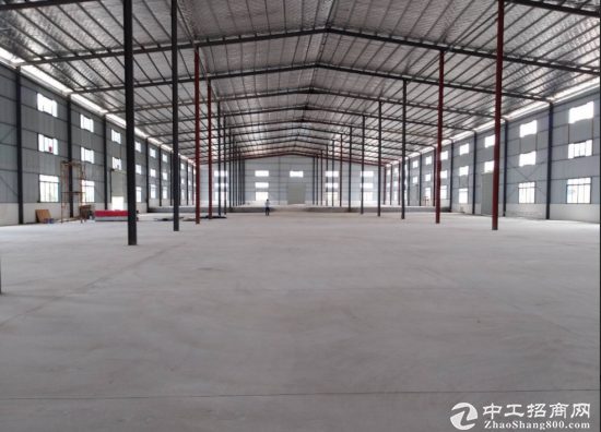 东白花镇3万平独院钢构厂房招租有可搭建空地