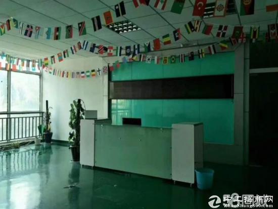 平湖机荷高速出口原业主三楼带办公室装修2080平方急租-图3