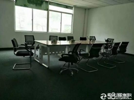 平湖机荷高速出口原业主三楼带办公室装修2080平方急租-图4