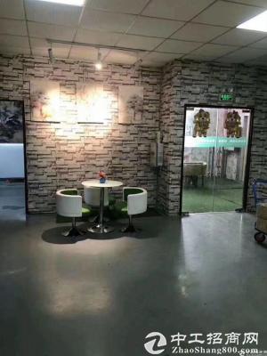 石岩汽车站新出原房东红本楼上单层面积1500精装修厂房出租-图3
