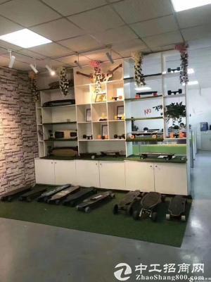 石岩汽车站新出原房东红本楼上单层面积1500精装修厂房出租-图4