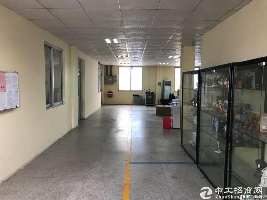 横岗 惠盐路三楼1130平带电梯厂房20块出租-图2