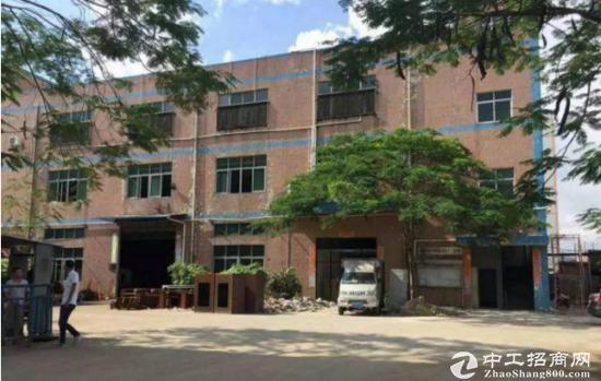 平吉大道厂房一楼1500平方火热招租