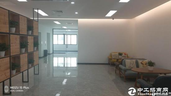 南山西丽白芒关口附近新出楼上520平米带精装修厂